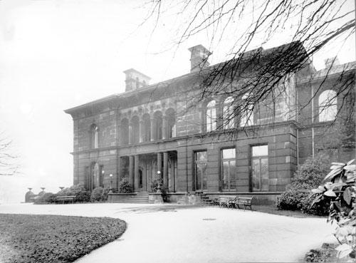 Tolson Memorial Museum, Ravensknowle Park, Huddersfield